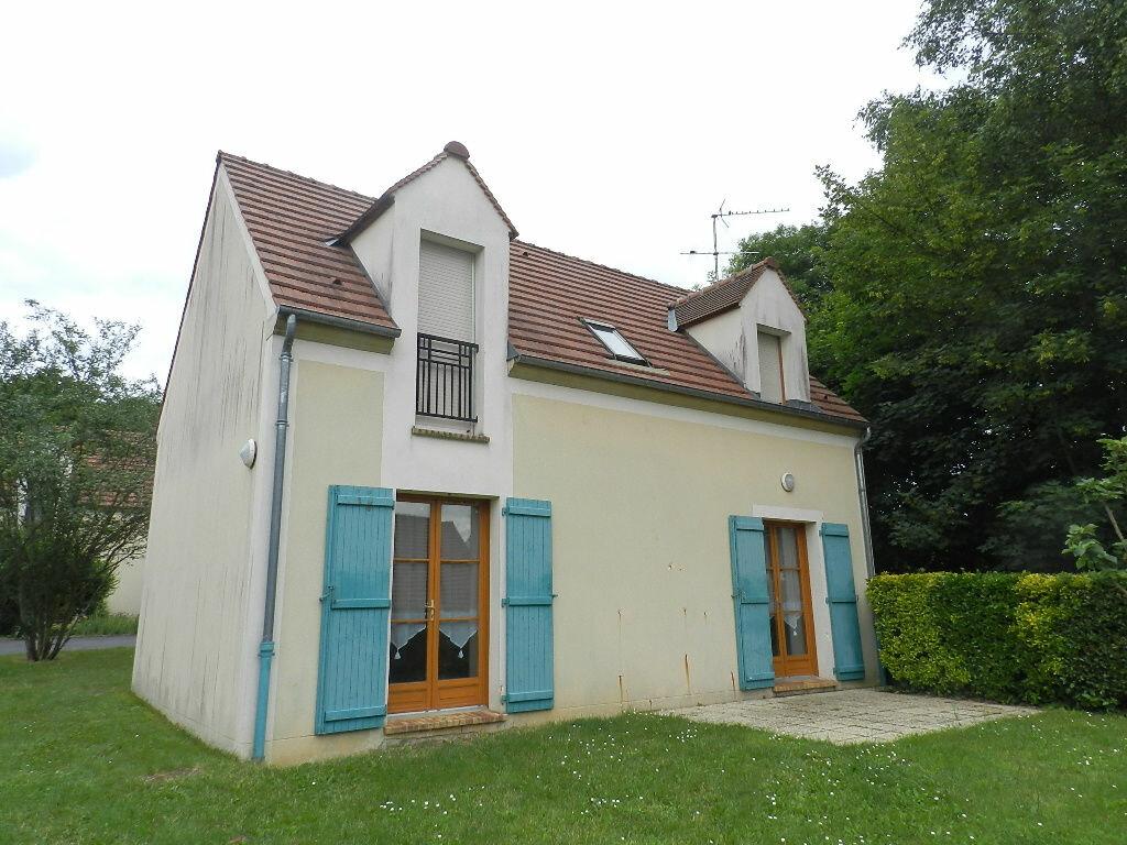 Location Maison 4 pièces à Presles - vignette-1