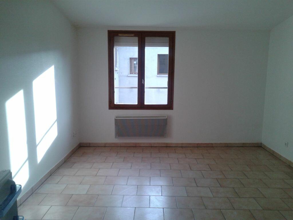 Location Appartement 1 pièce à Charly-sur-Marne - vignette-1