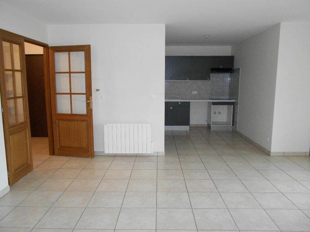 Location Appartement 4 pièces à La Ferté-sous-Jouarre - vignette-1