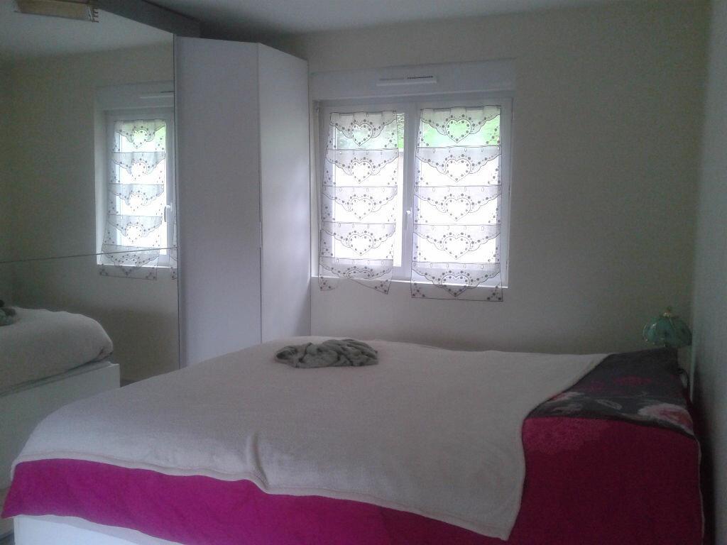 Location Maison 3 pièces à Saint-Jean-les-Deux-Jumeaux - vignette-1