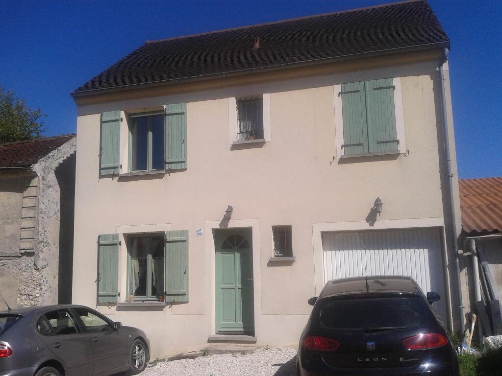 Location Maison 4 pièces à Jouarre - vignette-1