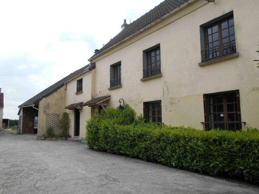 Location Maison 6 pièces à Pierre-Levée - vignette-1