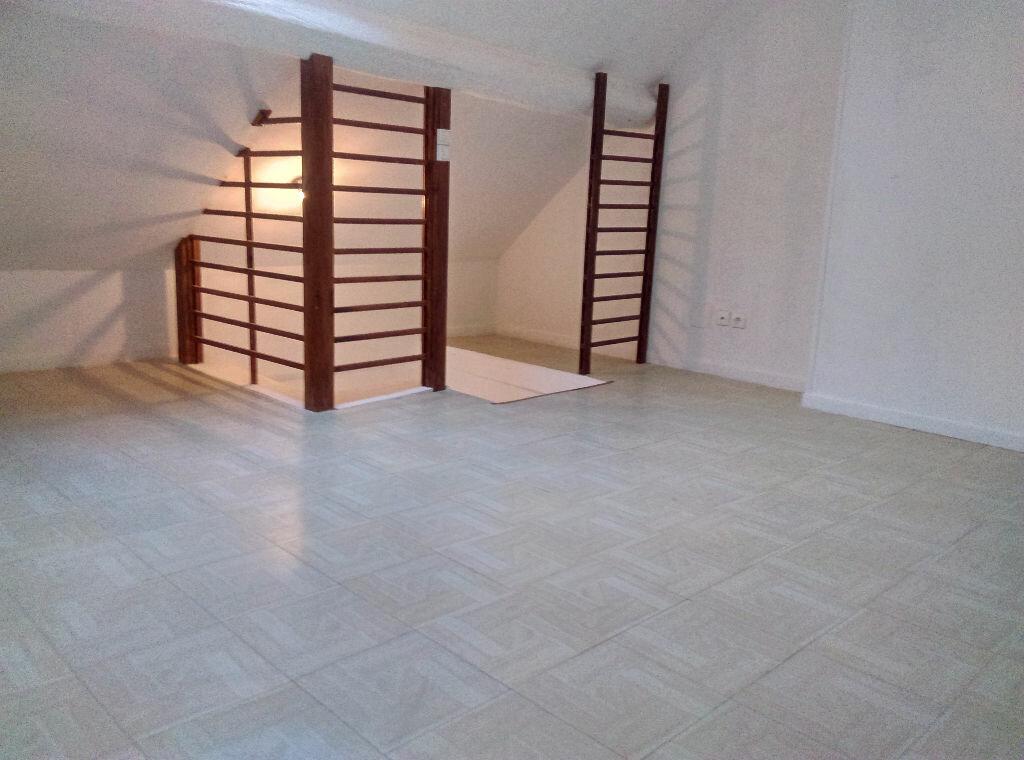 Location Maison 4 pièces à Saâcy-sur-Marne - vignette-12