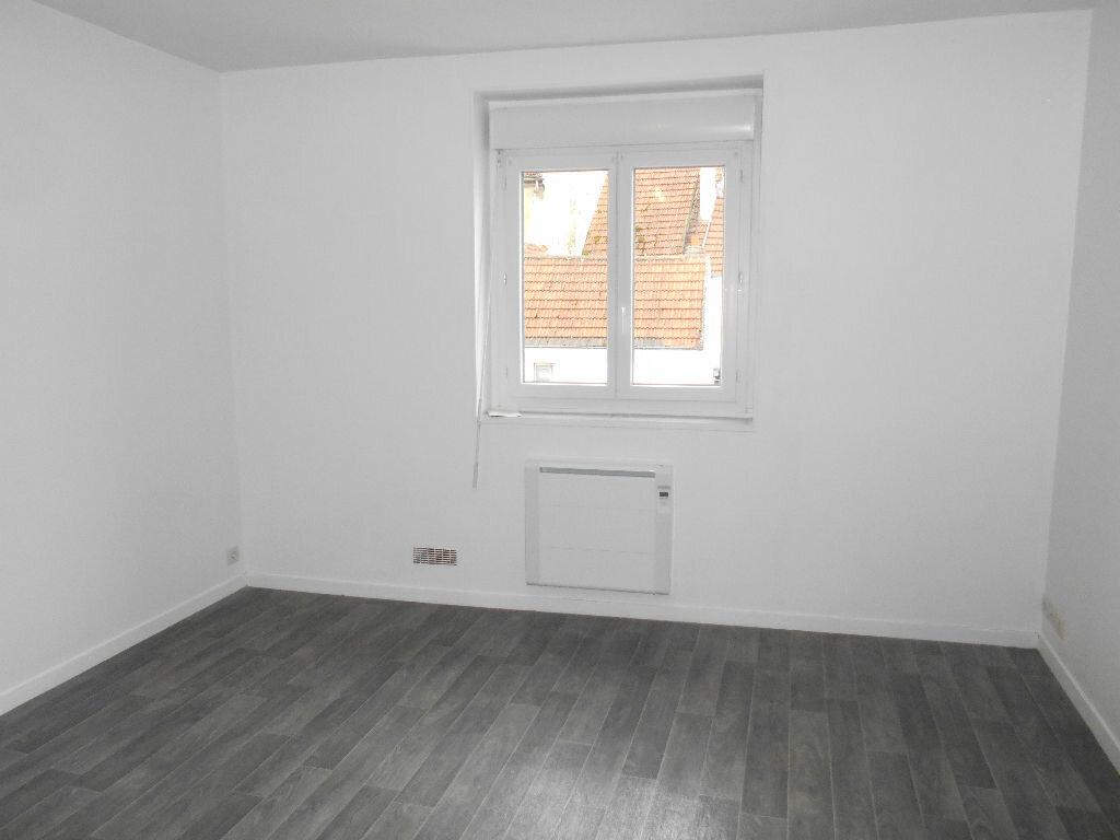 Location Appartement 2 pièces à La Ferté-sous-Jouarre - vignette-3