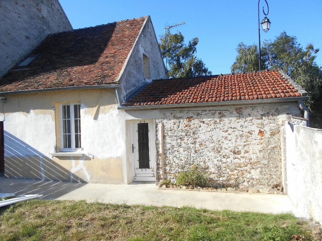 Location Maison 2 pièces à Bassevelle - vignette-1
