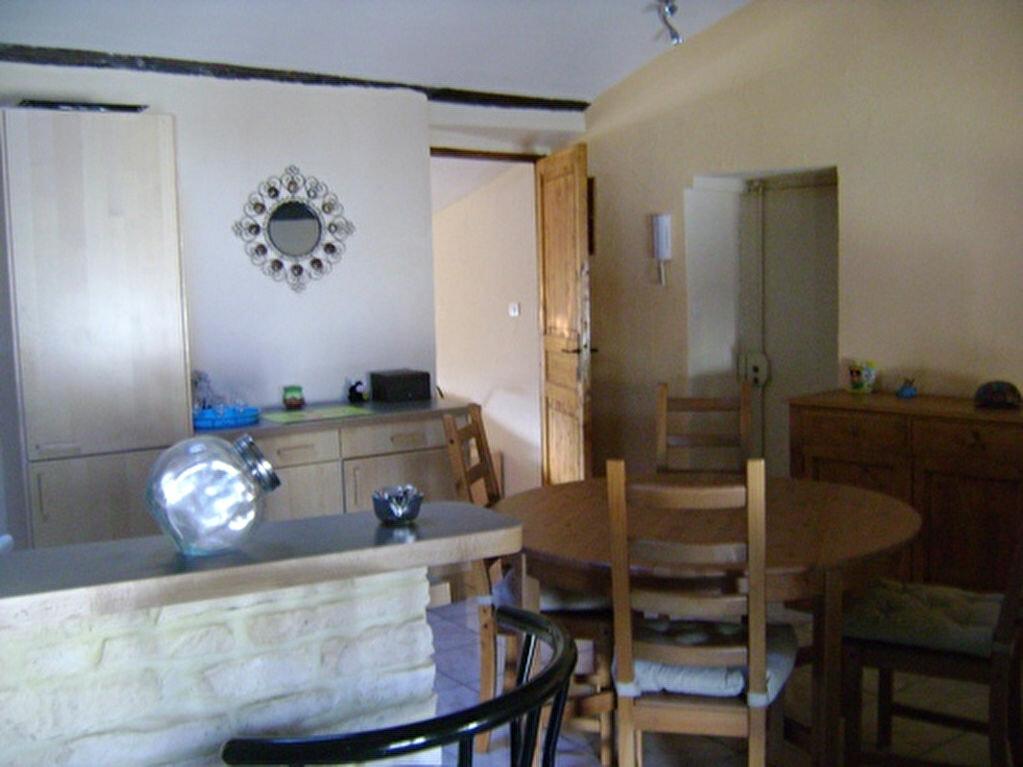 Achat Appartement 2 pièces à Montluel - vignette-2
