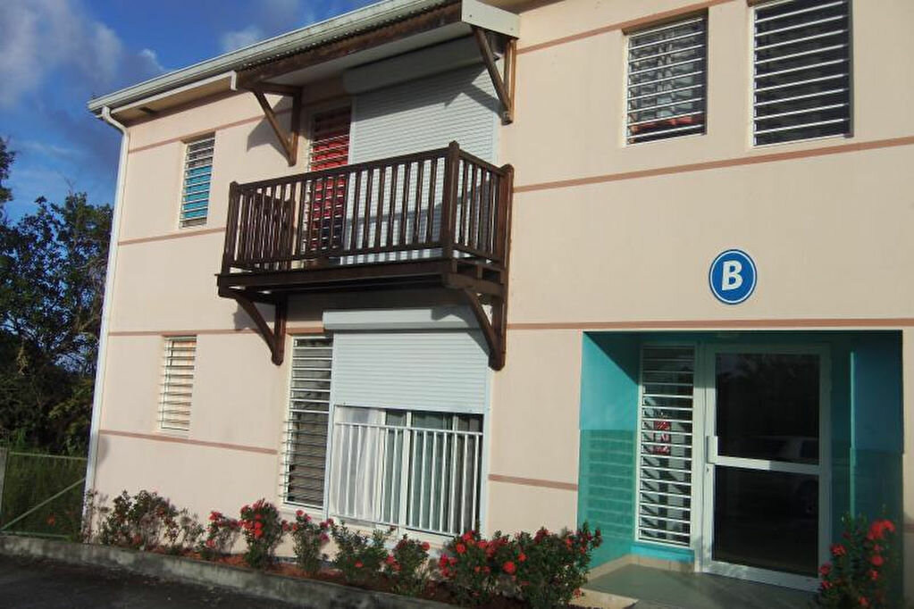 Location Appartement 2 pièces à Le Lorrain - vignette-1