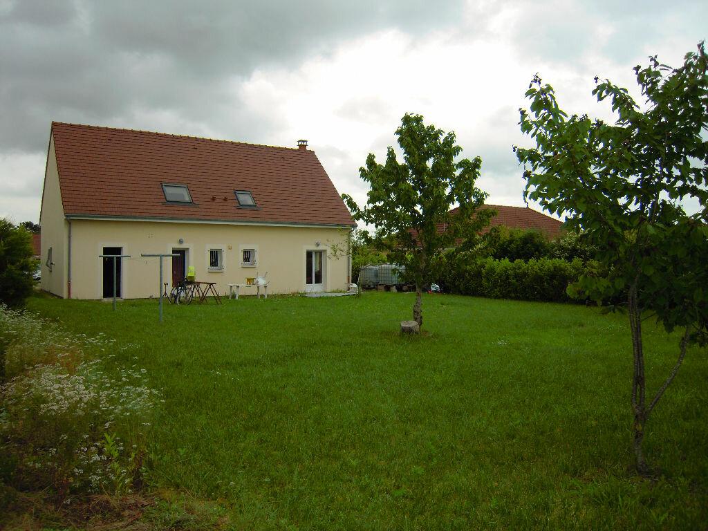 Achat Maison 7 pièces à Saint-Lyé - vignette-1