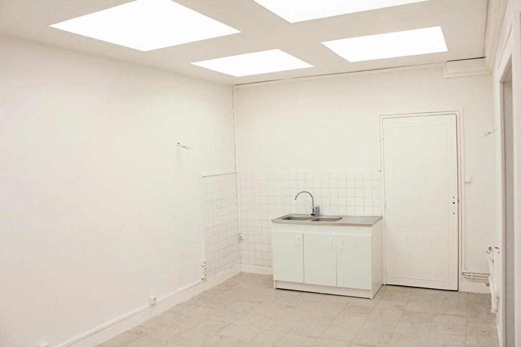 Achat Appartement 5 pièces à La Chapelle-Saint-Luc - vignette-4