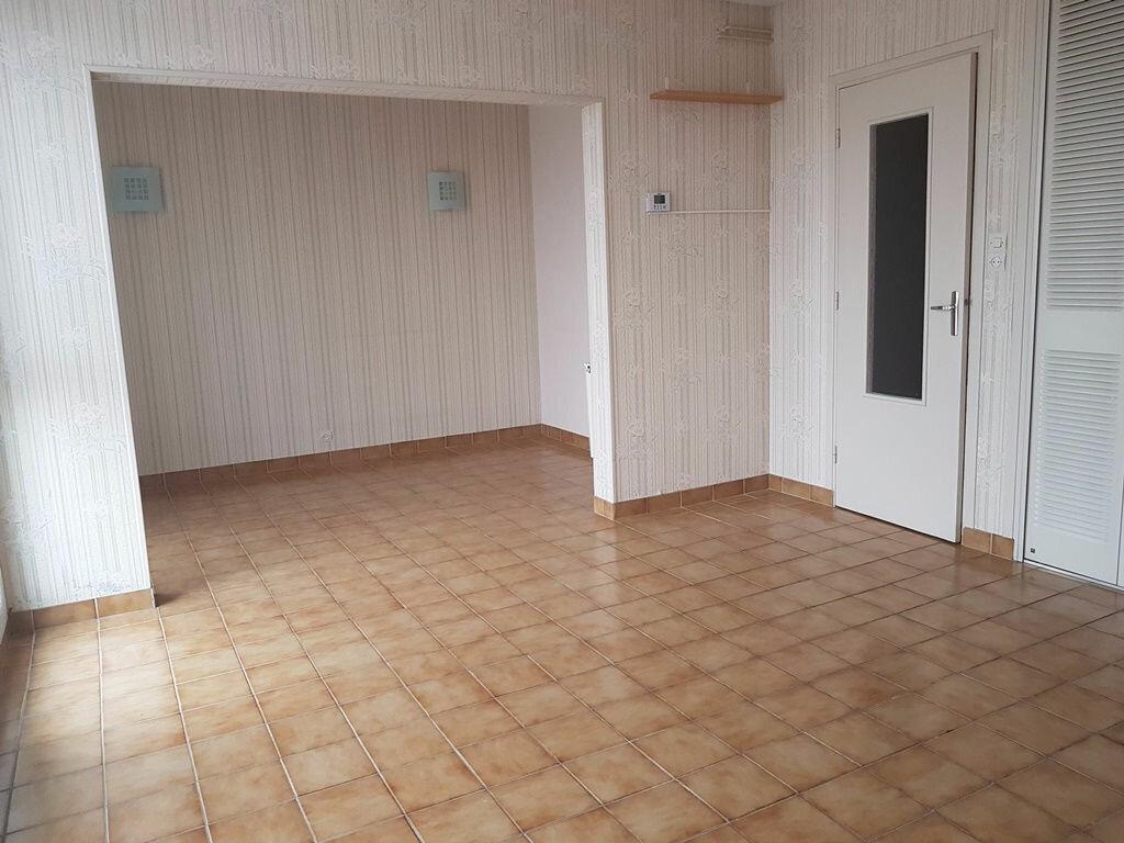 Achat Appartement 4 pièces à Troyes - vignette-1