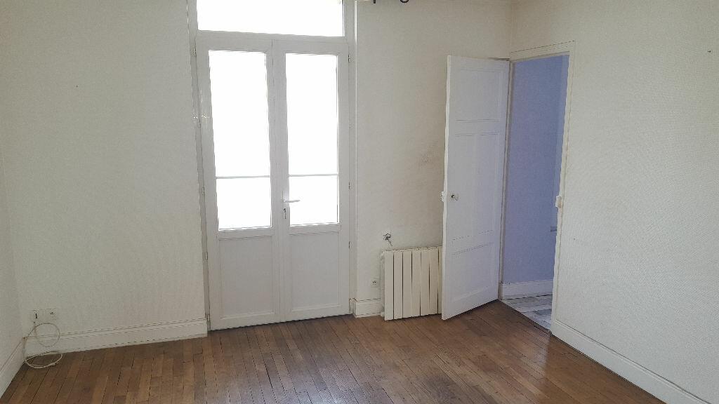 Achat Appartement 2 pièces à Troyes - vignette-4