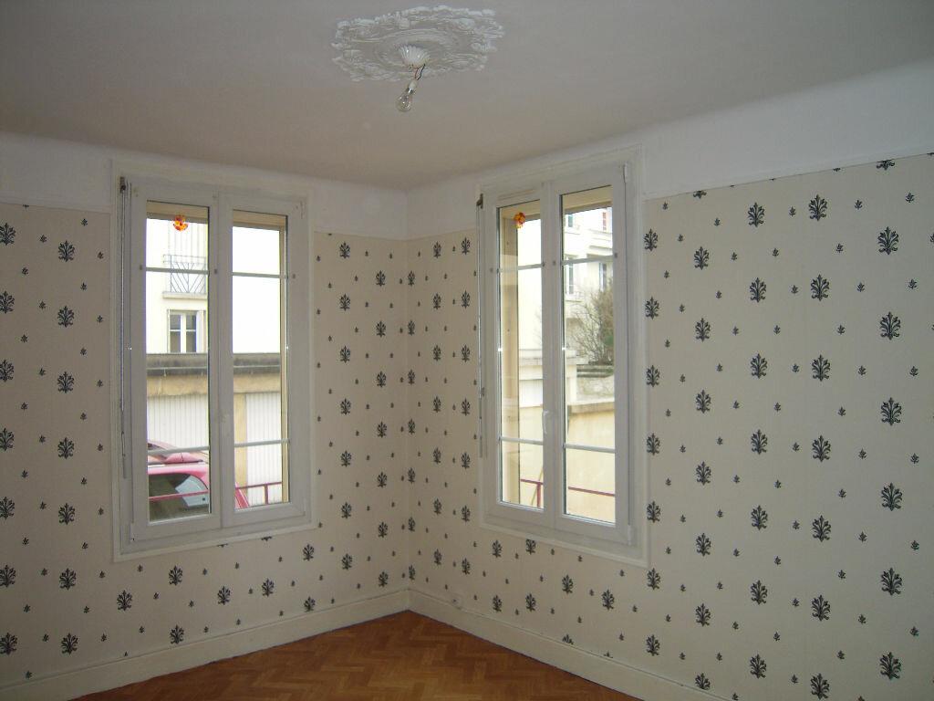 Achat Appartement 2 pièces à Sainte-Savine - vignette-1