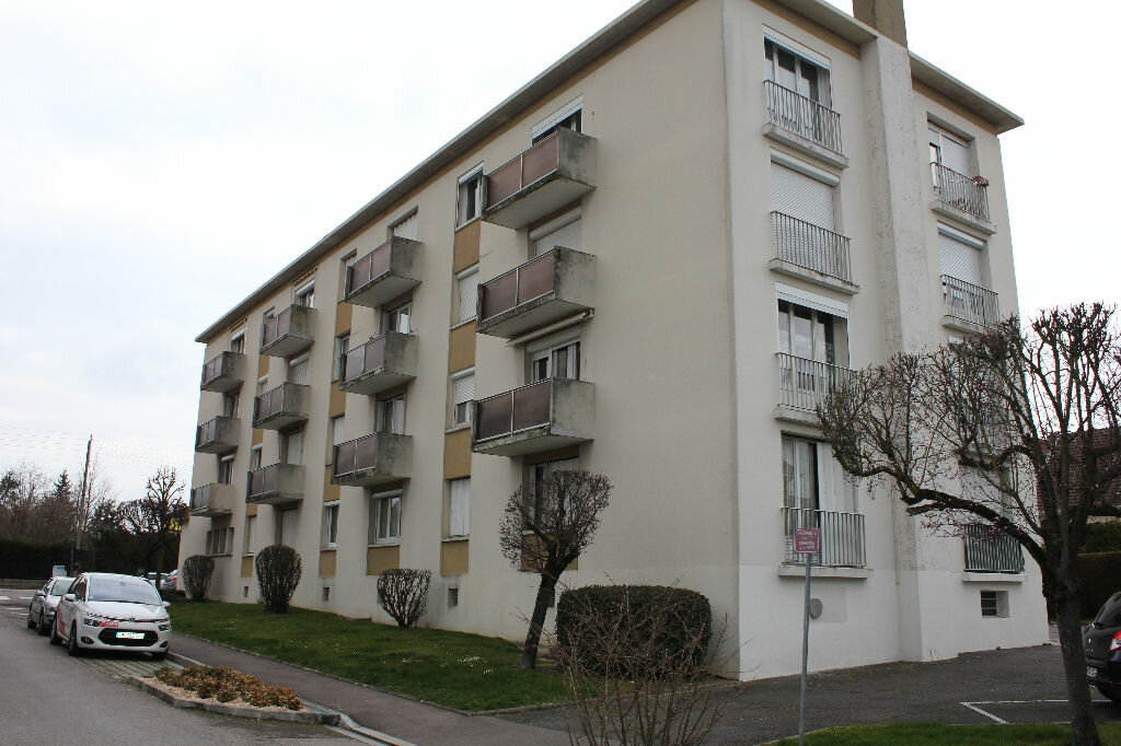Achat Appartement 1 pièce à Sainte-Savine - vignette-1