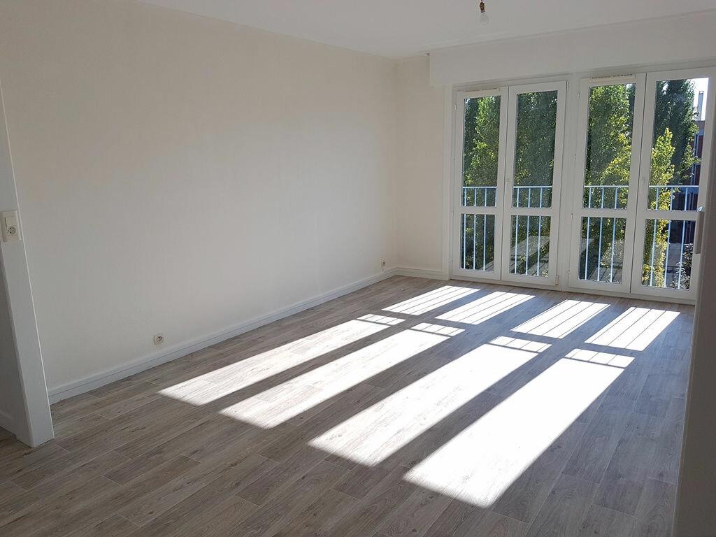 Achat Appartement 4 pièces à Saint-André-les-Vergers - vignette-1
