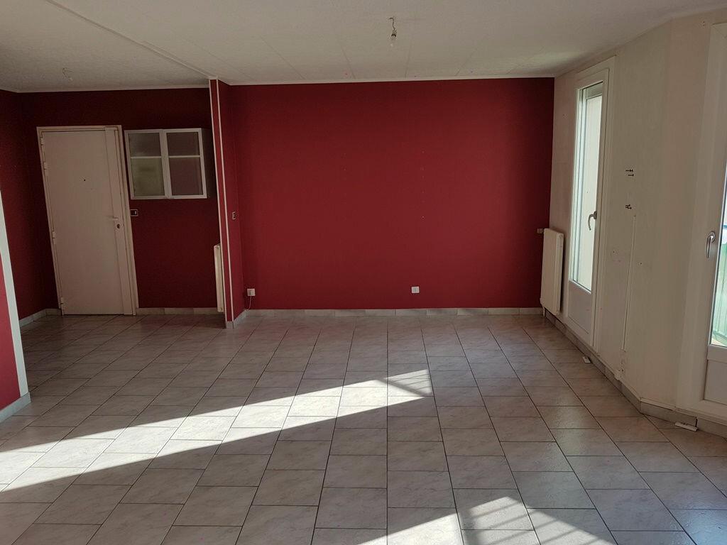 Achat Appartement 4 pièces à Troyes - vignette-4