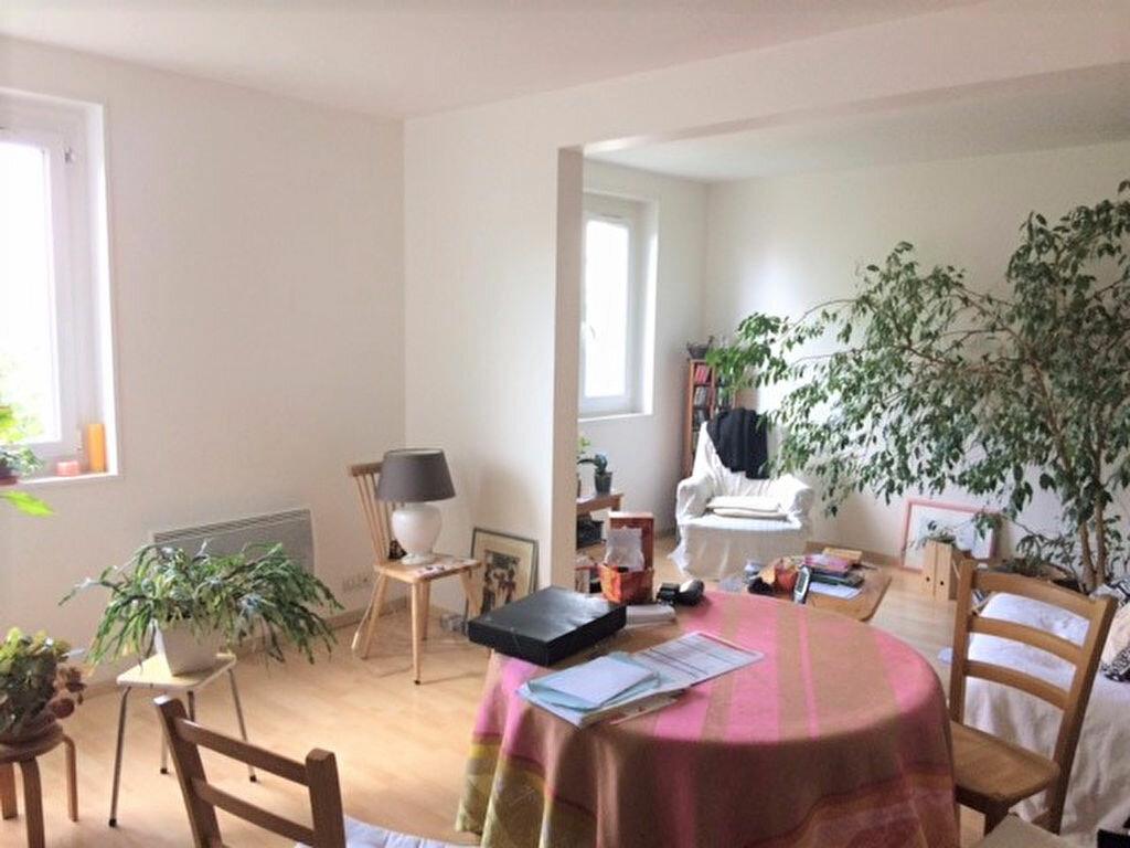 Achat Appartement 4 pièces à Saint-Julien-les-Villas - vignette-7