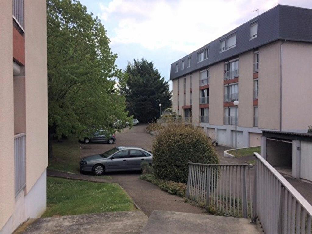 Achat Appartement 4 pièces à Saint-Julien-les-Villas - vignette-9