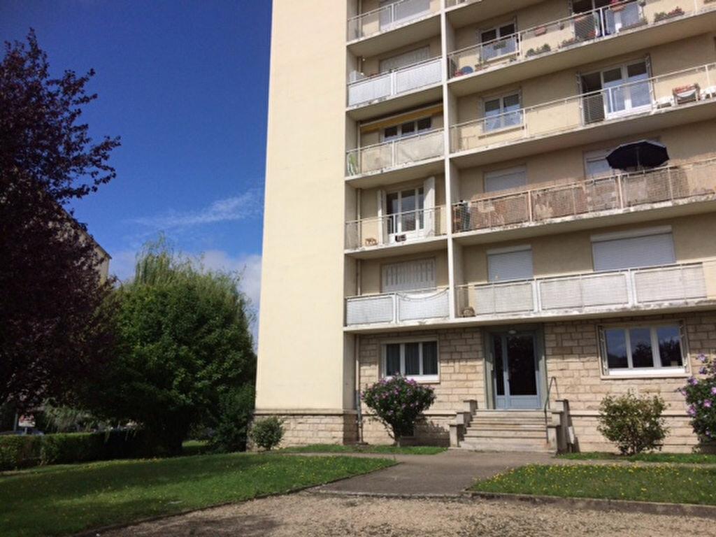Achat Appartement 4 pièces à Saint-André-les-Vergers - vignette-3