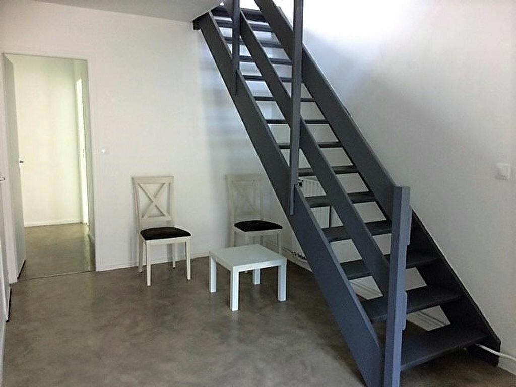 Achat Maison 4 pièces à Saint-Julien-les-Villas - vignette-8