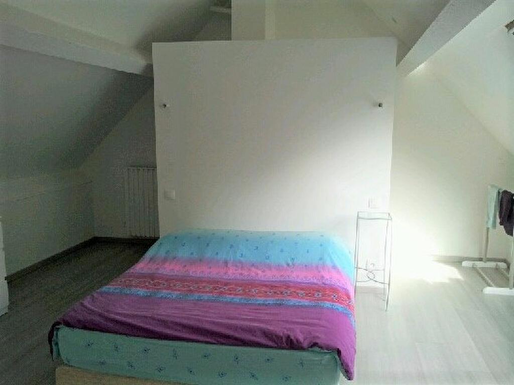 Achat Maison 4 pièces à Saint-Julien-les-Villas - vignette-11