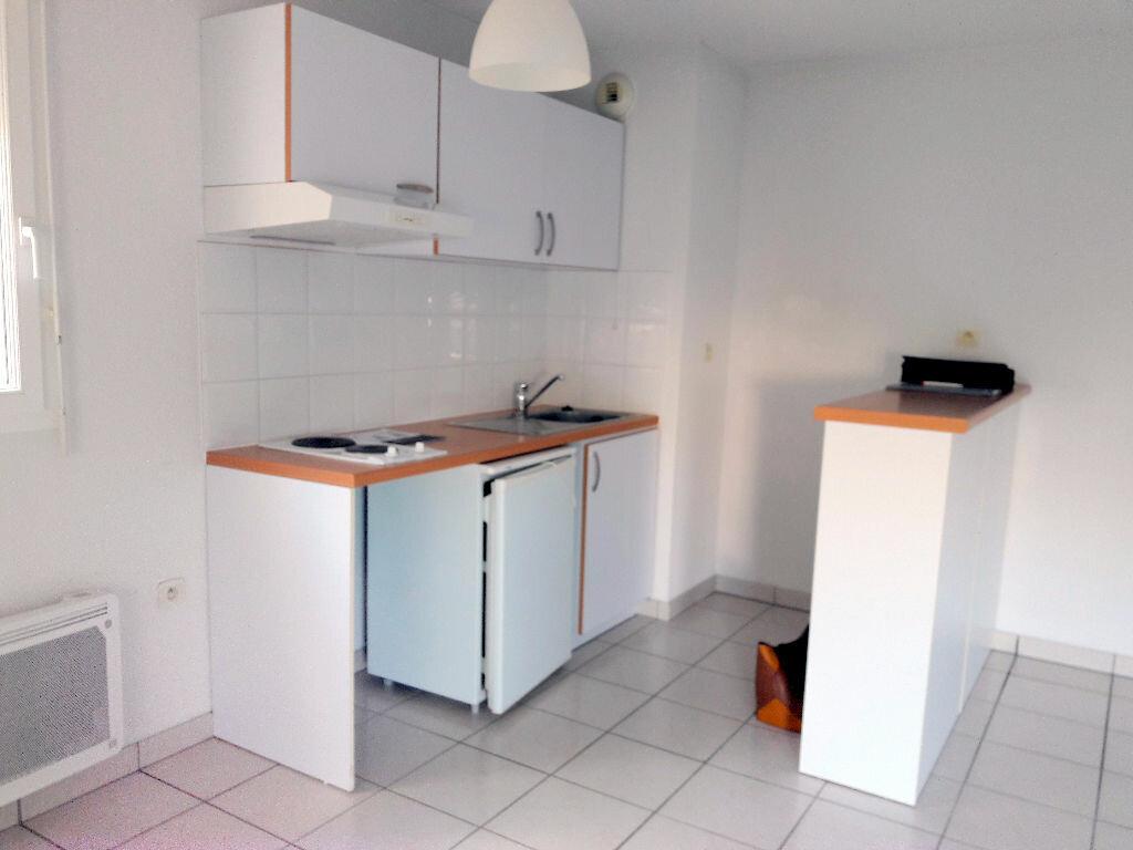 Location Appartement 3 pièces à Carcassonne - vignette-3