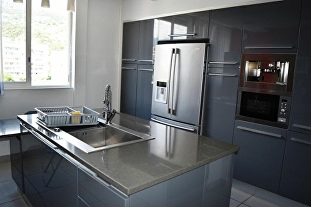 Achat Appartement 3 pièces à Bastia - vignette-2
