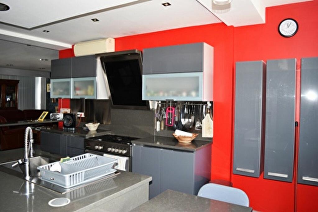 Achat Appartement 3 pièces à Bastia - vignette-3