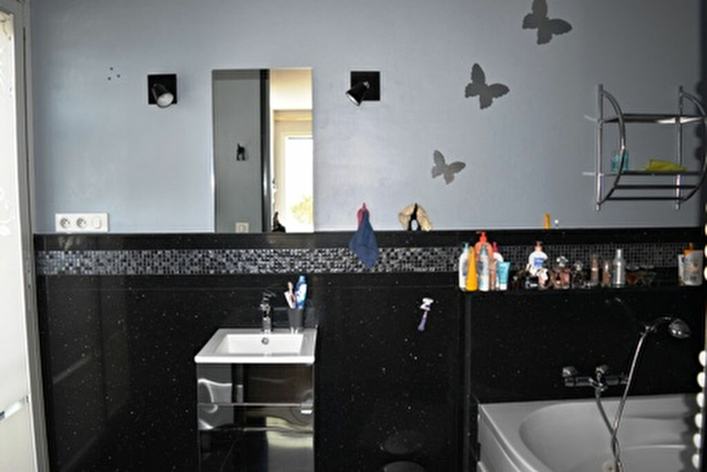 Achat Appartement 3 pièces à Bastia - vignette-12