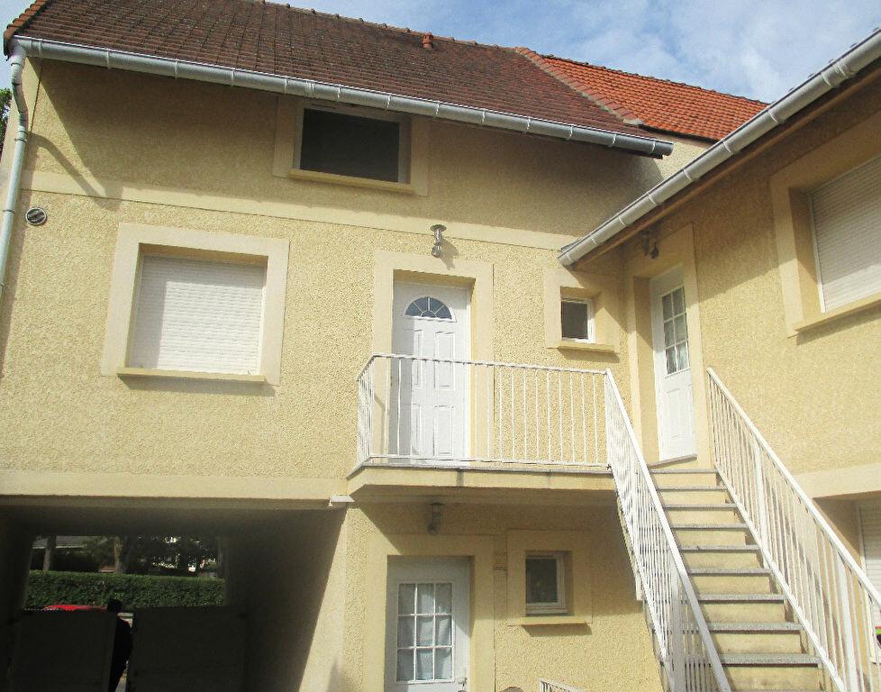 Location Appartement 2 pièces à La Ville-du-Bois - vignette-1