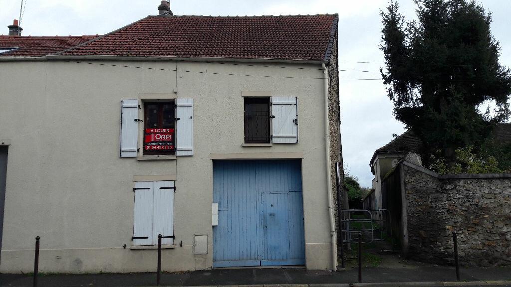 Location Appartement 4 pièces à Montlhéry - vignette-1