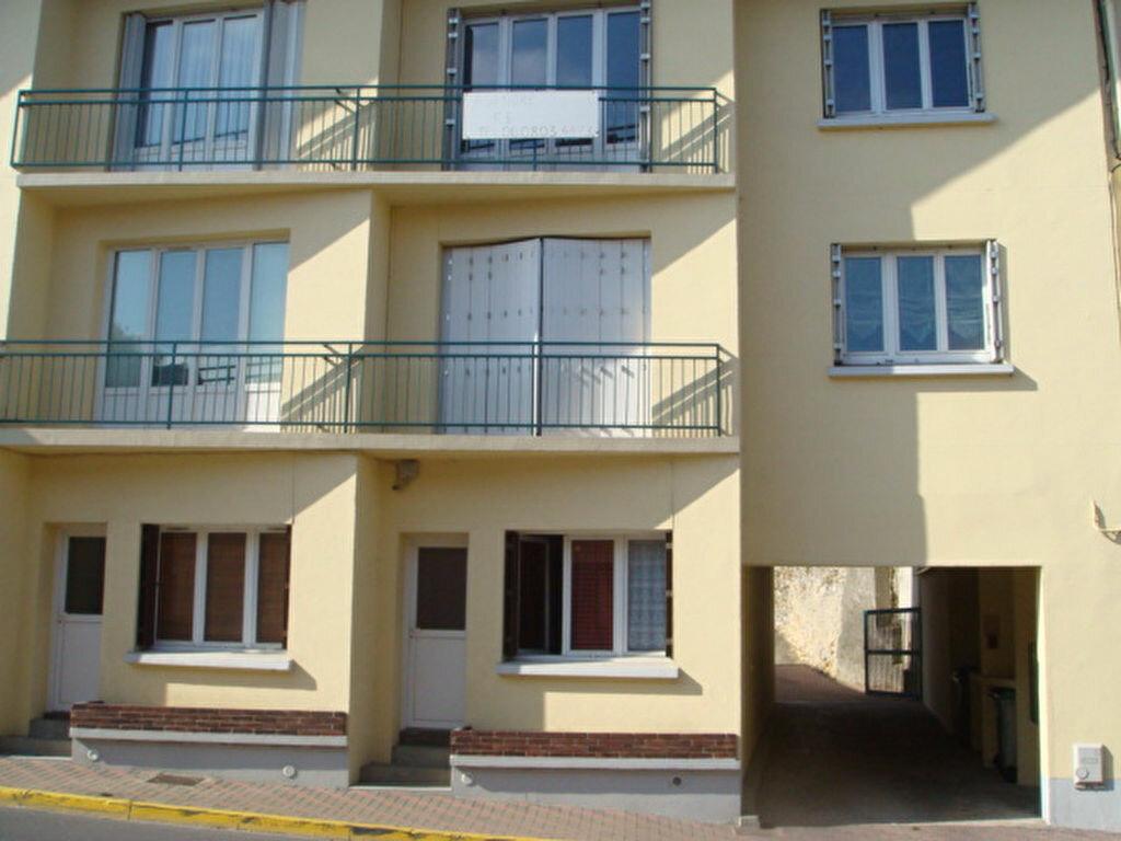 Location Appartement 1 pièce à Linas - vignette-4