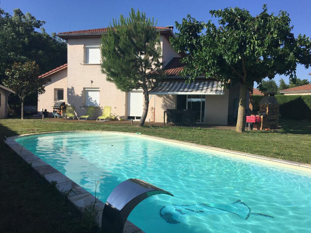 Achat Maison 6 pièces à Dompierre-sur-Veyle - vignette-1