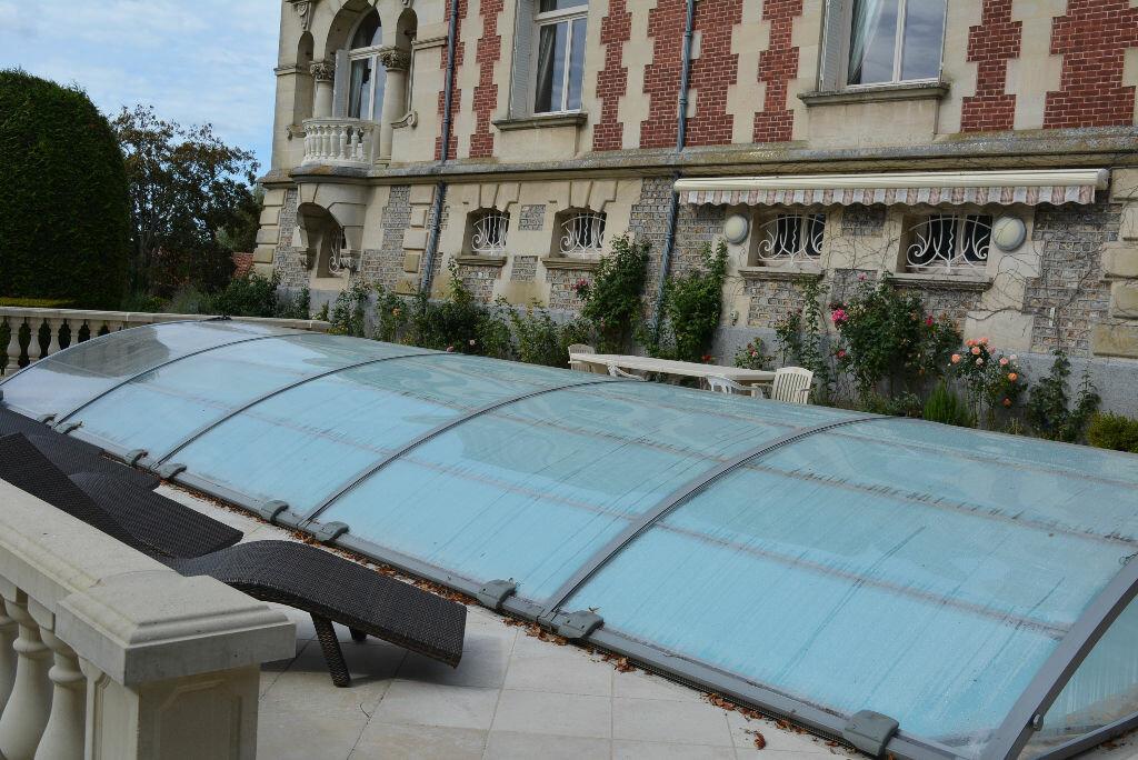 Achat Maison 13 pièces à La Chapelle-Yvon - vignette-3