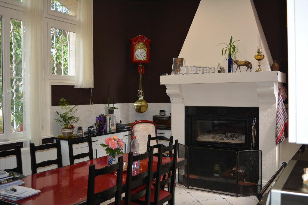 Achat Maison 13 pièces à La Chapelle-Yvon - vignette-8