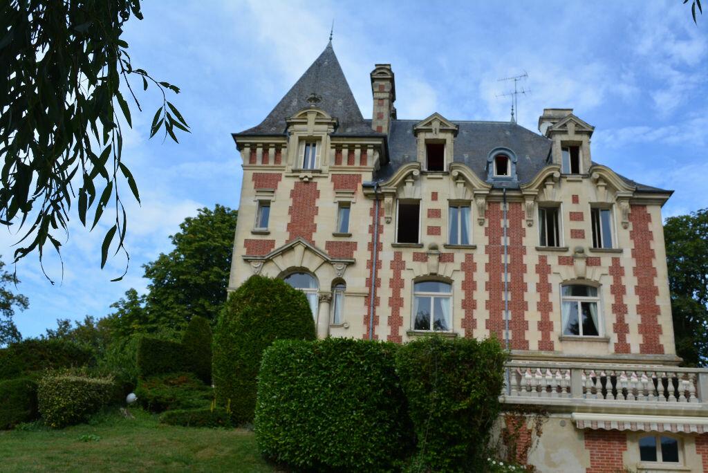 Achat Maison 13 pièces à La Chapelle-Yvon - vignette-11