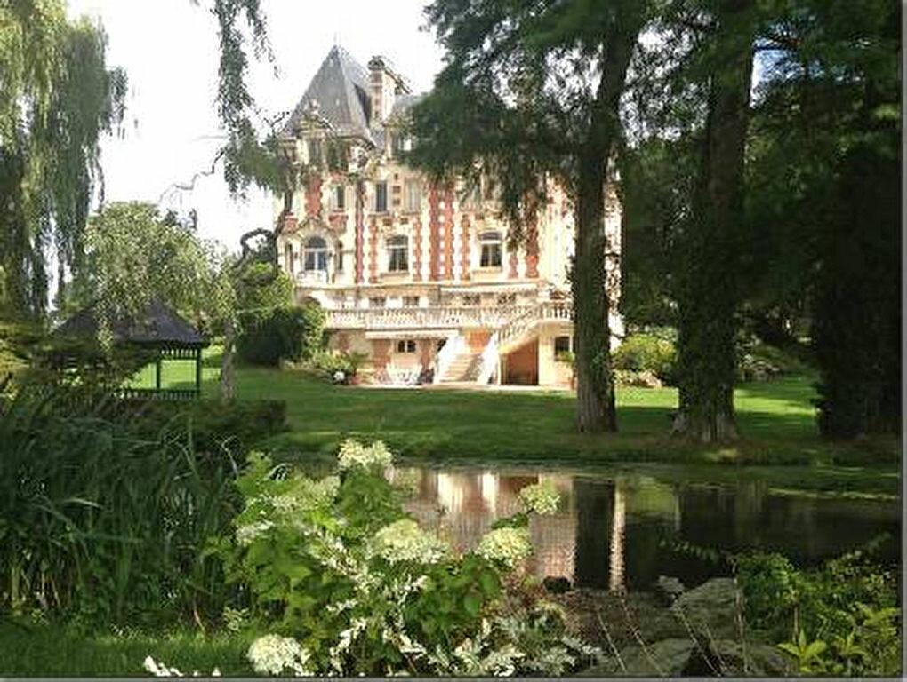 Achat Maison 13 pièces à La Chapelle-Yvon - vignette-12