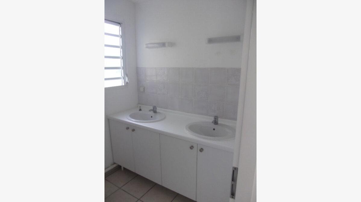 Achat Appartement 3 pièces à Sainte-Luce - vignette-2