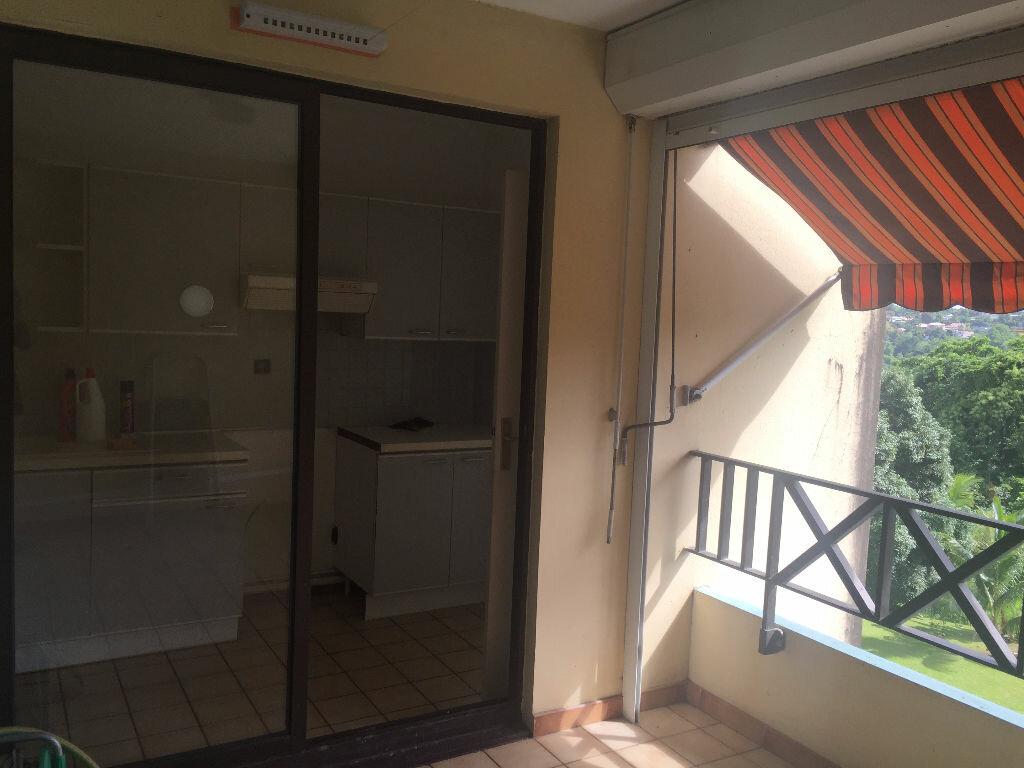 Achat Appartement 4 pièces à Fort-de-France - vignette-1