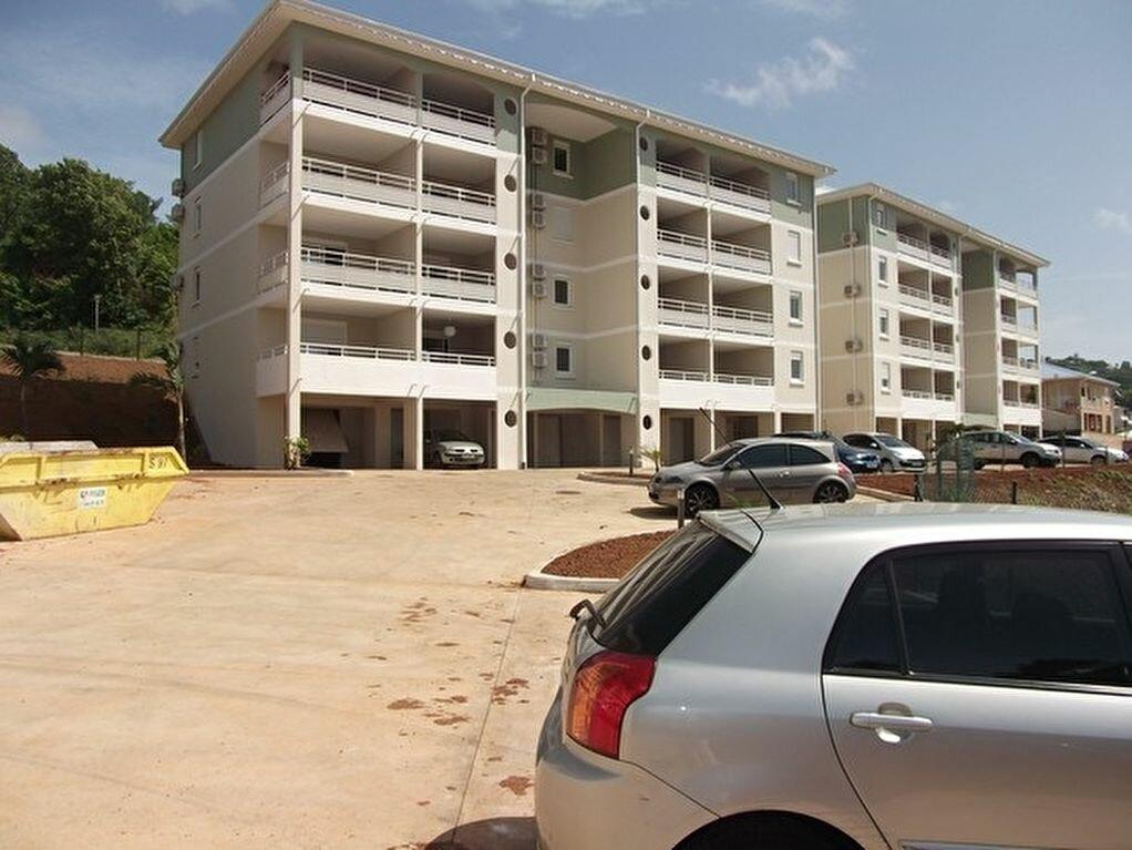 Location Appartement 2 pièces à Le Robert - vignette-1