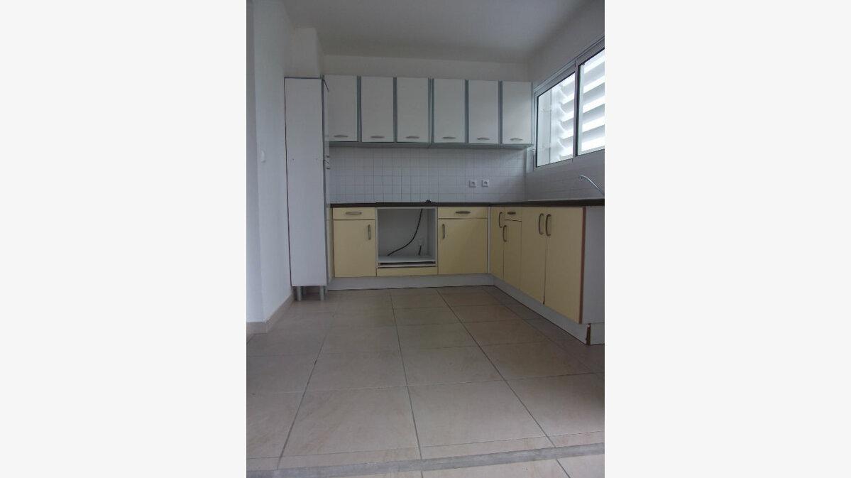 Achat Appartement 4 pièces à Schoelcher - vignette-2