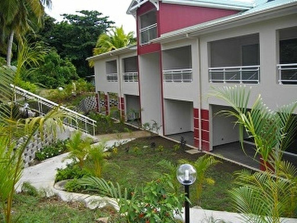 Location Appartement 2 pièces à Sainte-Marie - vignette-1