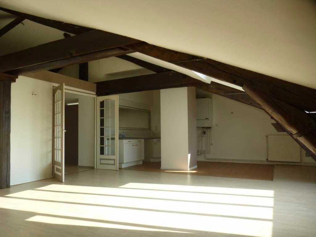 Location Appartement 5 pièces à Chalon-sur-Saône - vignette-1