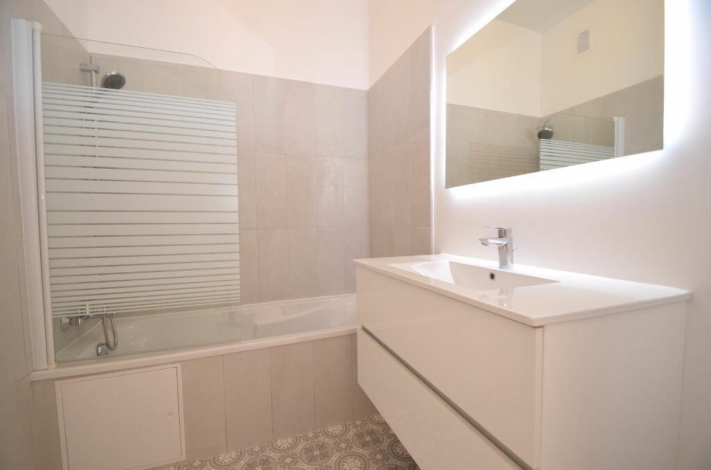 Location Appartement 3 pièces à Nice - vignette-5