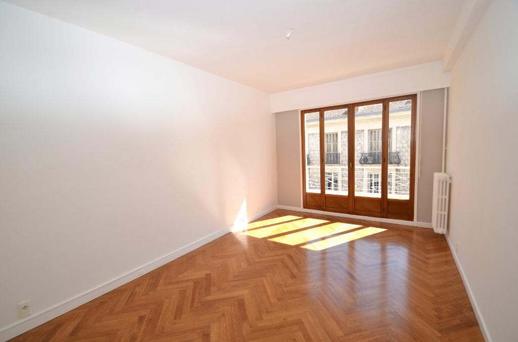 Location Appartement 3 pièces à Nice - vignette-6