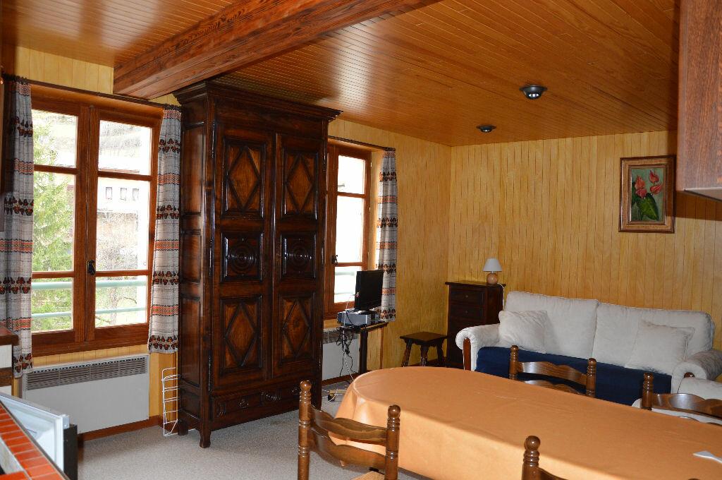 Achat Appartement 2 pièces à Saint-Étienne-de-Tinée - vignette-1
