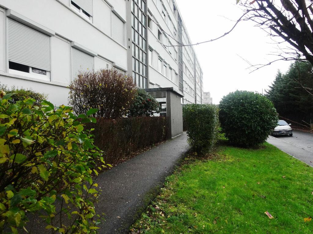 Achat Appartement 3 pièces à Vénissieux - vignette-1