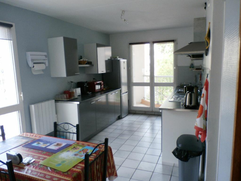 Achat Appartement 6 pièces à Lyon 8 - vignette-6