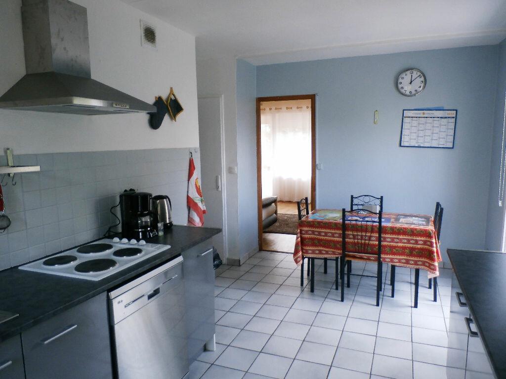 Achat Appartement 6 pièces à Lyon 8 - vignette-7