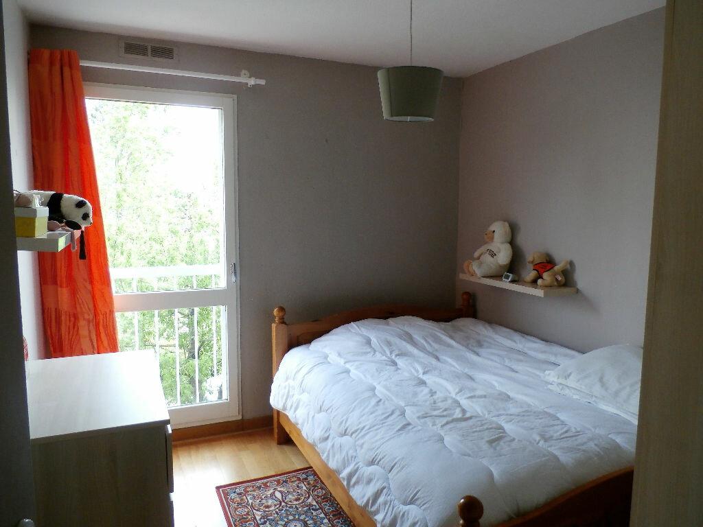 Achat Appartement 6 pièces à Lyon 8 - vignette-8
