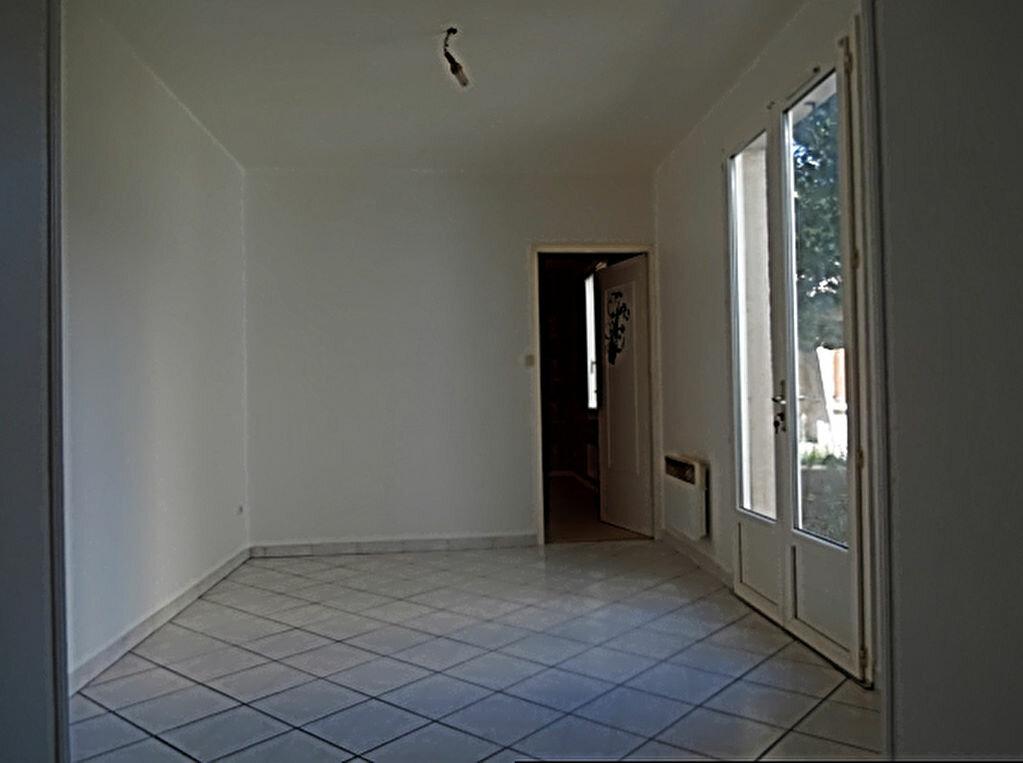 Location Appartement 3 pièces à Saint-Fons - vignette-1